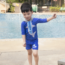 Nowy chłopcy stroje kąpielowe dwa kawałki chłopców w strój kąpielowy z kapelusz Shark projekt dla dzieci stroje kąpielowe dla dzieci pływać unosi się suit-SW925 tanie tanio Pasuje prawda na wymiar weź swój normalny rozmiar NYLON Zwierząt