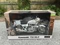 Automaxx 1:12 modelo de la motocicleta kawasaki 750 rs-p z2 blanco nuevo en caja