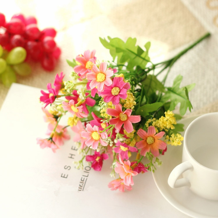 Cute Silk Daisy Artificial Flower With One Bouquet 7 Branch 28 Heads For Wedding Decoration 21