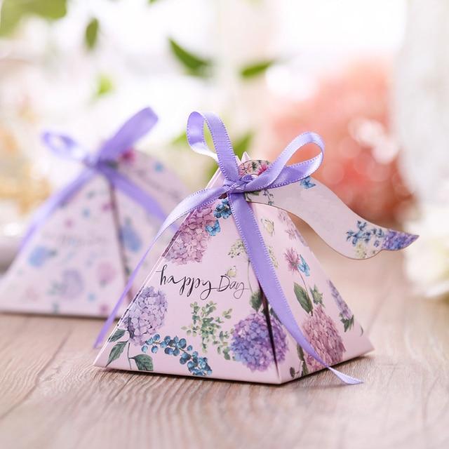 Free shipping 50pcs Creative Candy Box Baby Shower Favors Triangular Pyramid Wedding Favors Gifts Box Bomboniera Party Supplies