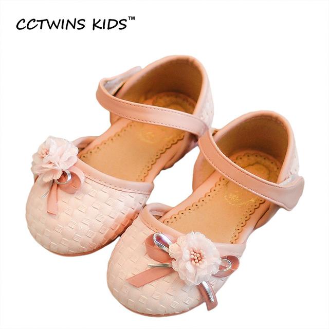 CCTWINS CRIANÇAS 2017 Flor do Verão Praia Sandália Crianças Moda Prata sapato Da Criança Kid Menina de Bebê Da Marca de Couro Pu Rosa Plana B679