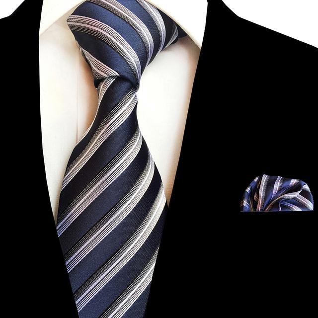Set de Corbata Estampada de Seda con Pañuelo.