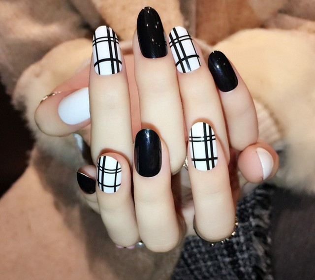 24pcsset fake nails cute designs french manicure unhas tips 24pcsset fake nails cute designs french manicure unhas tips artificiais acrylic print false nails prinsesfo Gallery