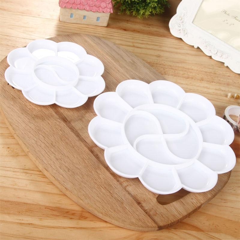 10 Grids Large Plum Shape Art Alternatives Paint Tray Artist Oil Watercolor Plastic Palette Art Tools White Painting Pallet