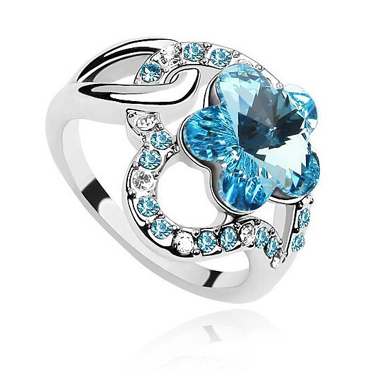 Elegant Plum Flower Rings Crystals from Swarovski White Gold Color Perfect Finger Ring Acessories Jewelry Christmas Gift