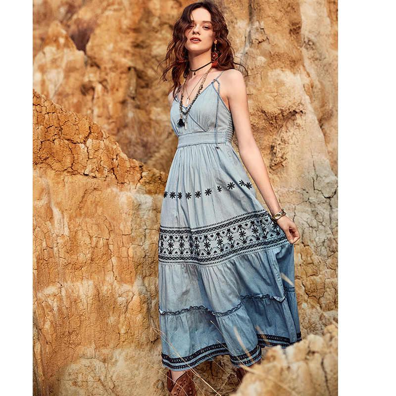 ARTKA 2018 летнее женское хлопковое богемное Цветочное платье с вышивкой без бретелек с v-образным вырезом и высокой талией, платье из джинсовой ткани в этническом стиле LA11182C