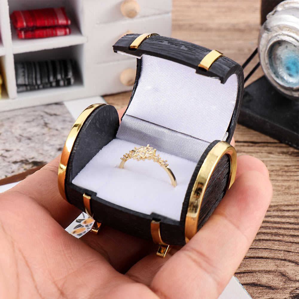 1pc Classic Jewelry Display Case Black With Gold Color Rings Earring PU Leather Beer Barrel Storage Velvet Box Gift Creative Hot