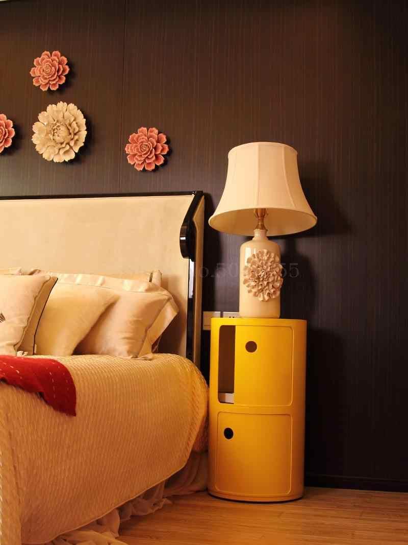 Bedside table plastic modern minimalist bedroom round side cabinet locker home European storage cabinet