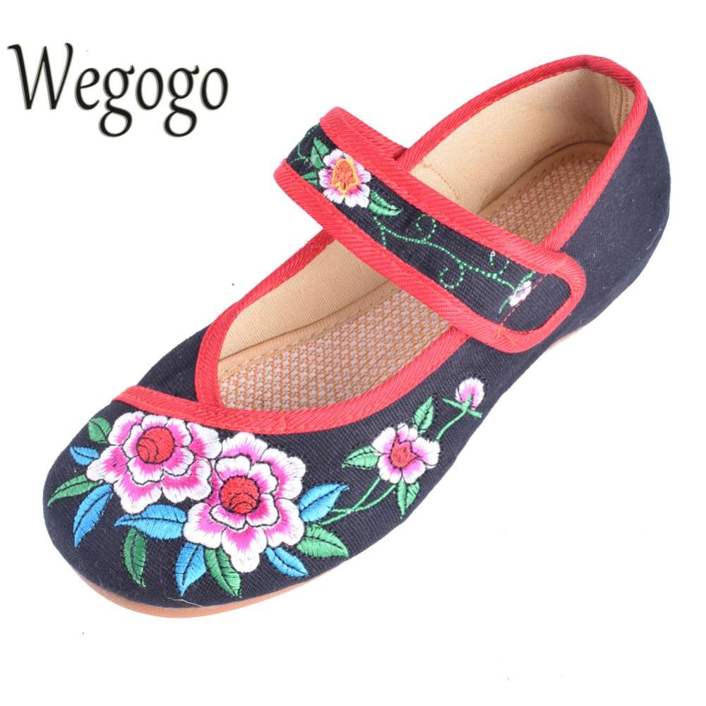 Wegogo Woman Canvas Shoes Old Peking Cloth Shoes Chinese Flower Embroidery Casual Dancing Flats soft single Mother Shoes Plus платье patrizia pepe patrizia pepe pa748ewpae42