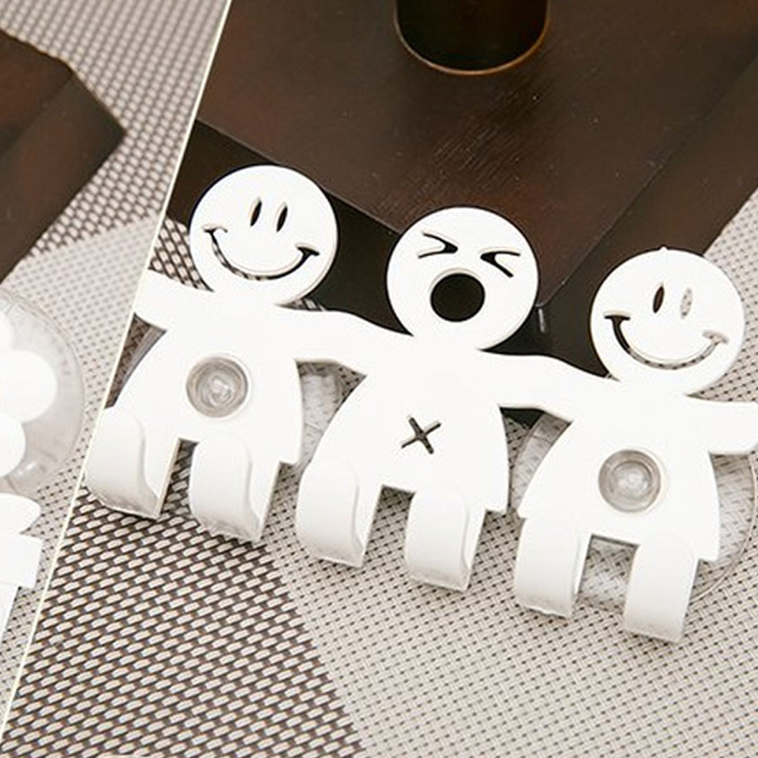 White Cute Cartoon Bathroom Sets Cartoon Sucker 5 Position Toothbrush Holder Suction Hooks