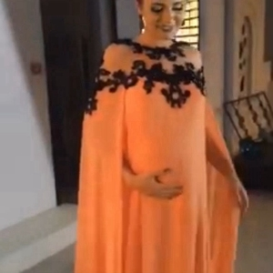 Image 2 - 새로운 도착 쉬폰 이슬람 이브닝 드레스 2020 블랙 레이스 Appliques 이브닝 가운 임신 공식 드레스 여성 우아한