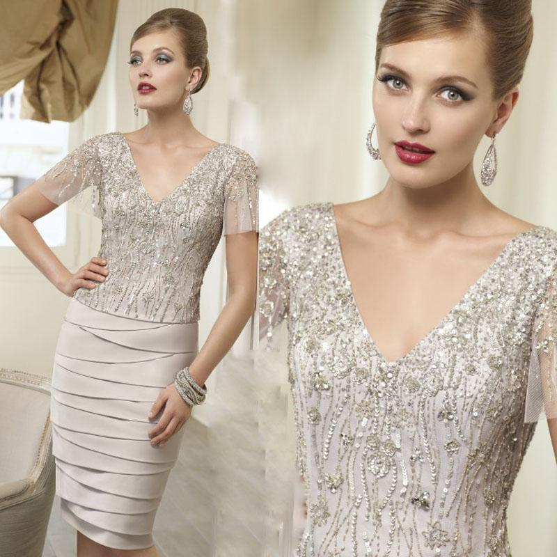 Champagne Mother Of The Bride Dresses Plus Size Sexy V-neck Short Sleeve Knee-length Sequins Beads Party Dress Custom Made