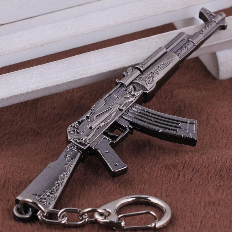 AK47 Model Keychain Cross Fire CF Metal Pendant Key Chain Automatic Rifle ak  47 Gun Figure Jewelry Men Toy Accessories Keyring