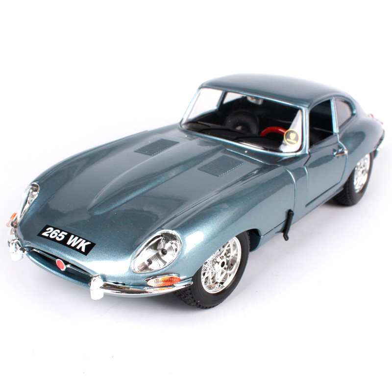 цена на Maisto Bburago 1:18 Jaguar E-Type Coupe Cabriolet Retro Classic Car Diecast Model Car Toy New In Box Free Shipping 12044