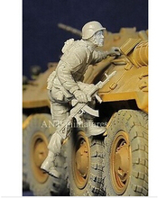 Scale Models 1 35 Modern Russian army soldiers climb Resin Model Free Shipping