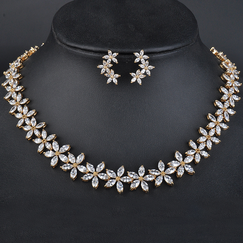 New Arrival Genuine Austrian Flower Crystal Delicate Gold Color Jewelry Set Engagement Gift Necklace+Earring Set GLN0095New Arrival Genuine Austrian Flower Crystal Delicate Gold Color Jewelry Set Engagement Gift Necklace+Earring Set GLN0095