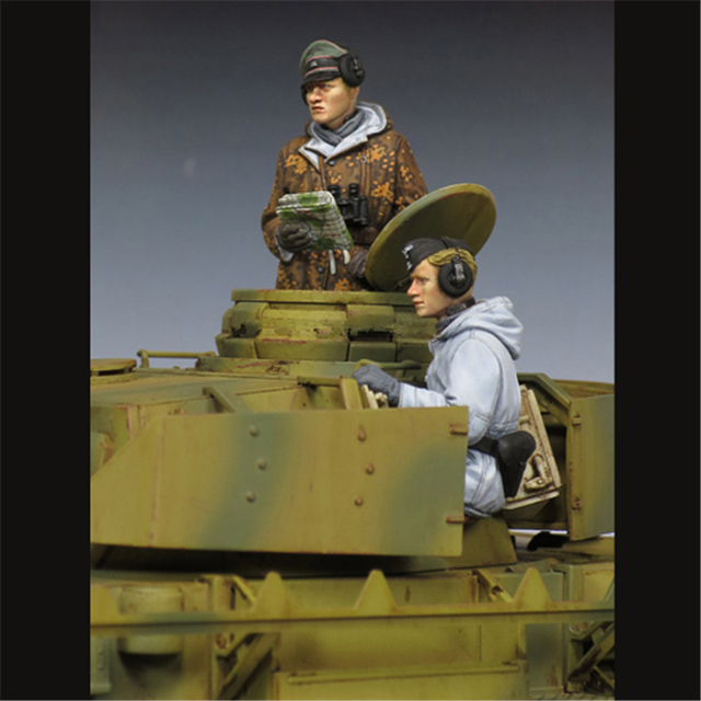 pretty nice d874d 39dac 1 35 model soldiers WSS Resin 1 35 figures SOLDIERS (2PCS lot) unpainted  and unassembled Free shipping 196G