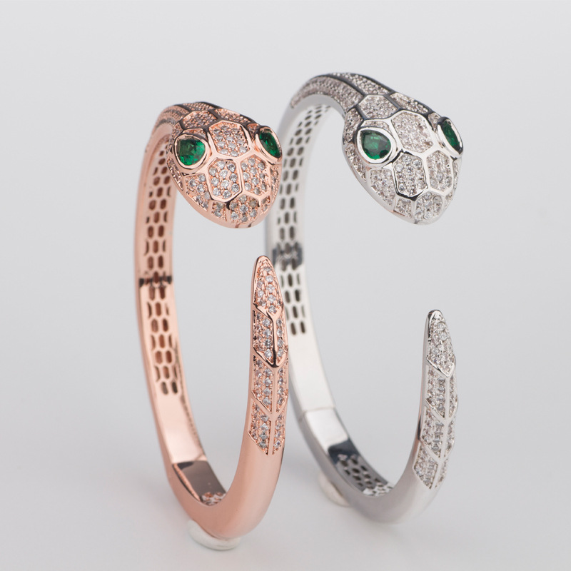 Bracelet serpent ouvert avec Zircon yeux verts Bracelet personnalité classique Bracelet manchette ouverte accessoires femmes