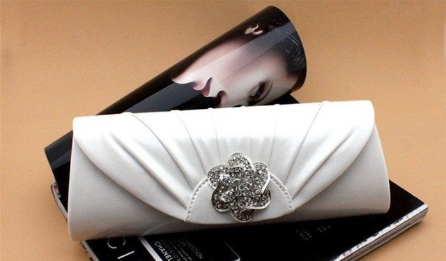 832c40a220 White PU leather latest diamond style Evening bags