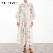 CHICEVER 固体刺繍中空アウトサマードレススタンド襟ランタンスリーブハイウエストサッシ A ラインミディドレス女性のための