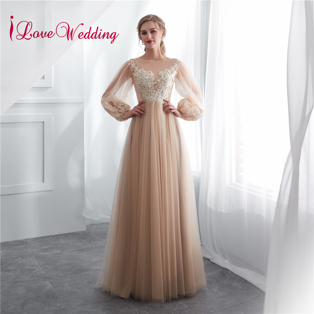 iLoveWedding 2018 Vestido de festa longo Boat Neck A Line Lace Applique Champagne Tulle Long Sleeves