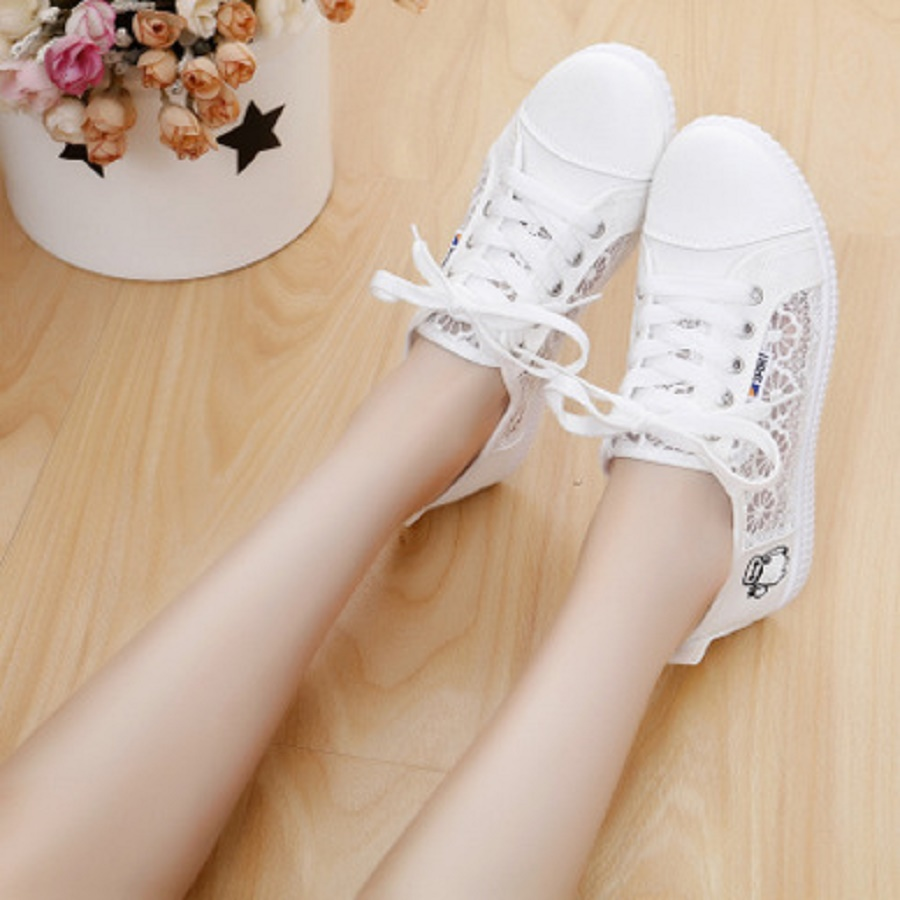 2018 summer new white shoes students low help breathable air canvas shoes net shoes casual shoes