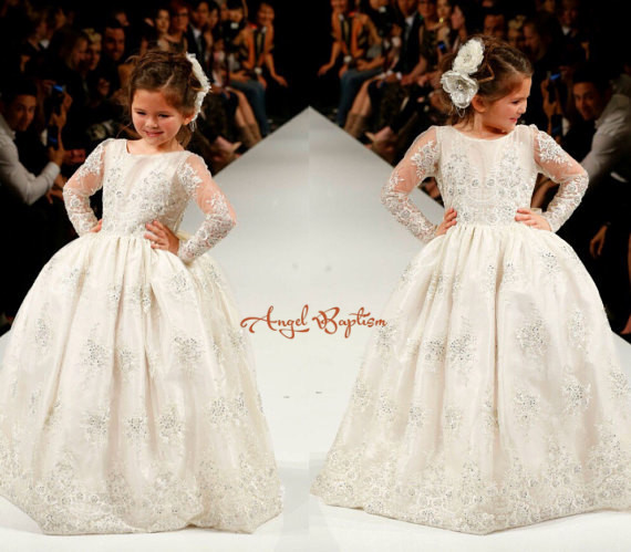 Bling Beading white/ivory lace appliques Long Sleeves flower girl dresses lovely kids wedding birthday party ball   gowns custom nice sheer short lace sleeve boat neckline ball gowns long pleated appliques wedding birthday party flower girl dresses
