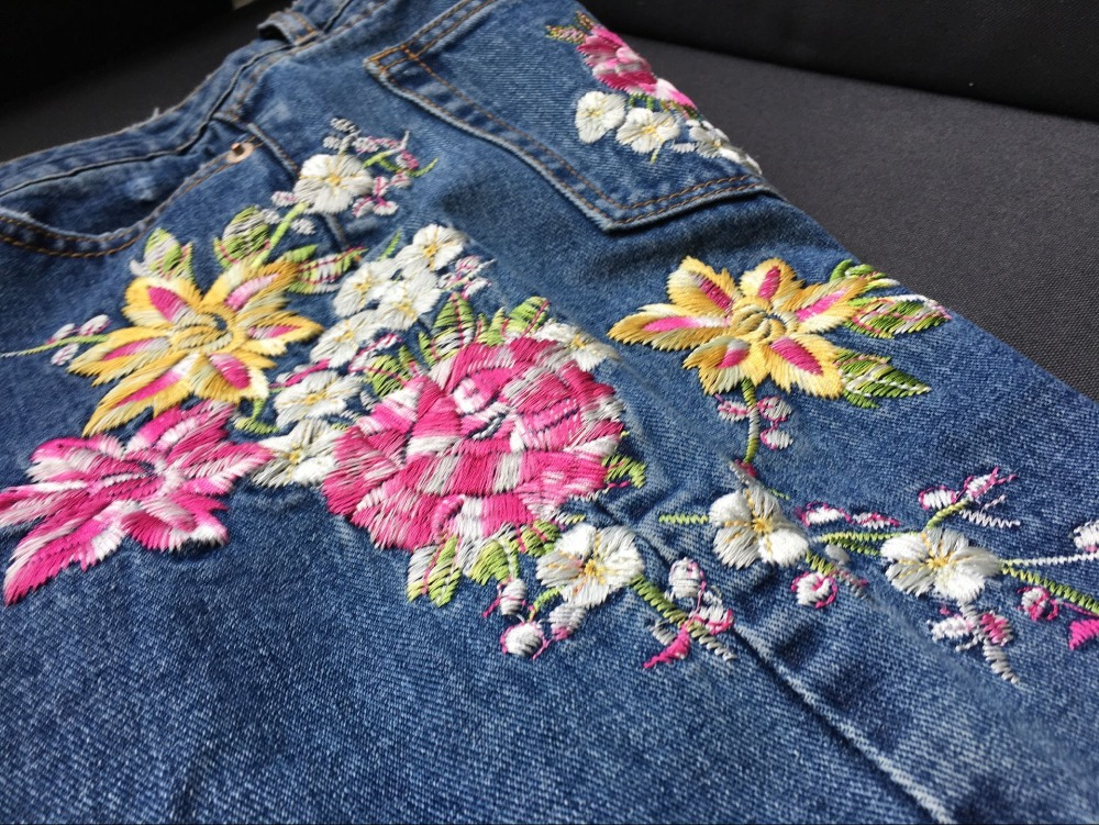 2017 Europe and the United States women's three-dimensional 3D heavy craft bird flowers before and after embroidery high waist Slim straight jeans large code system 46 yards (23)