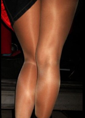 Shiny sheer pantyhose