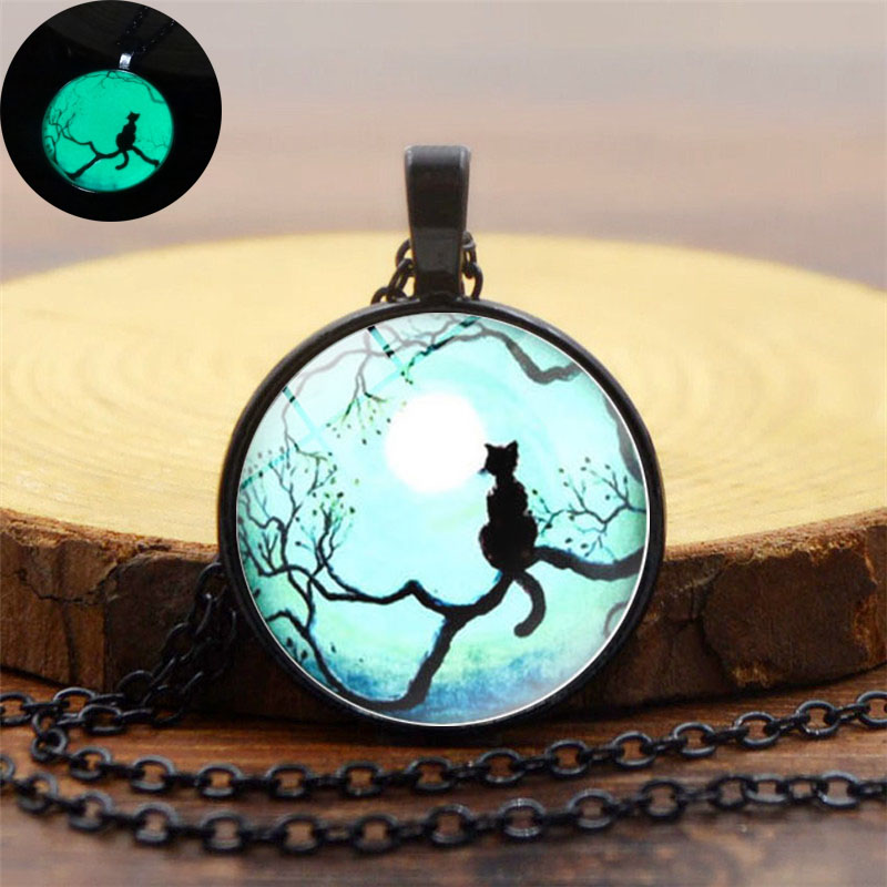 Glow In The Dark Jewelry Blue Moon and Cat Cabochon Necklace Galaxy Glass Dome Pendant Black Metal Chain Glowing Cat Necklace