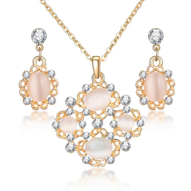 8aa2d29b9160d6 Hot Imitation Pearl and Crystal Wedding necklace earring set Bridal jewelry  set for women Elegant Party
