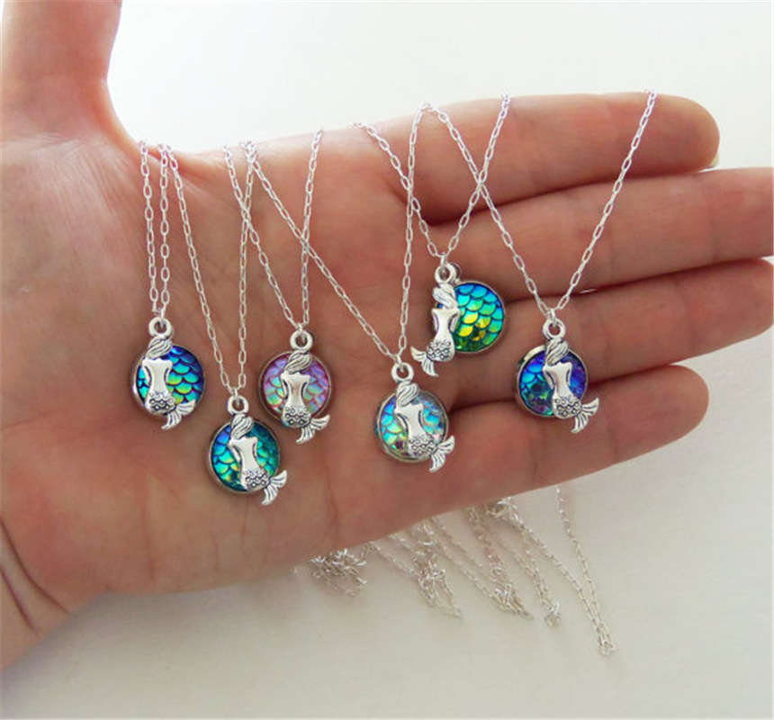 Fashion multiple Colour Mermaid Necklace Dainty Fish Scale Pendant Shimmery jewelry Sweater chain Accessories