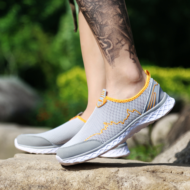 MAISMODA New Summer Outdoor Shoes Men Women Light Mesh Running Shoes Athletic Sport Shoes Creek Beach Quick Dry Breathable 36-46