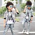 2017 nova moda do bebê revestimento do outono menino moda infantil longo-sleeved fio jaqueta colarinho casacos baby boy design de moda roupas