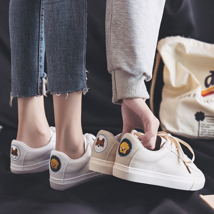 Small white shoes female 2019 spring new wild Hong Kong-flavored shoes female students casual flat bottom shoes tide 30