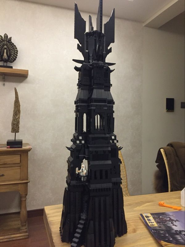 Free shipping Lepin 16010 2430pcs Movie Series Lord of the rings Tower of Orthanc Model Building set Blocks Bricks Toys  10237