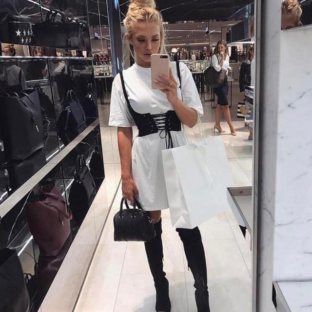 Cinturón de cintura alta con cierre en la parte delantera y ojal para mujer Sexy a la moda