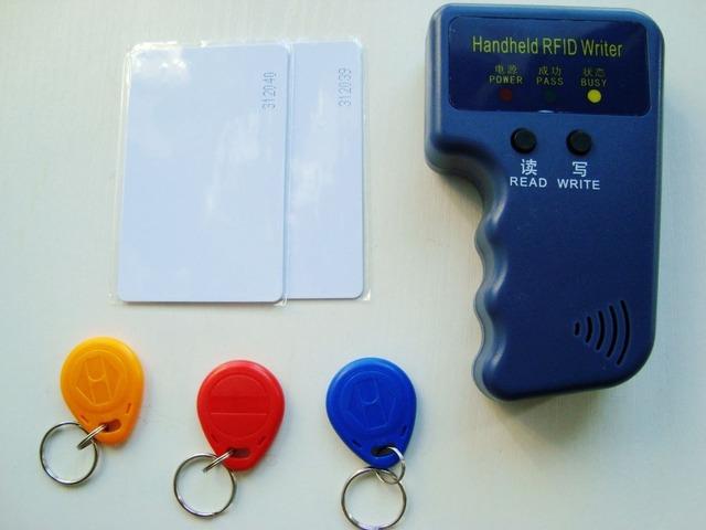 ENVÍO GRATIS 125 Khz RFID Copiadora Duplicadora Copia Escritor EM4100 Tarjeta tk4100 Tag + 3 unids regrabable em4305 t5577 keyfobs 2 unids tarjeta