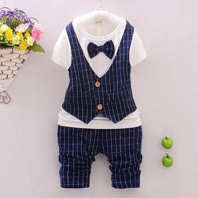 Корейский небольшая детская одежда для мальчиков и девочек хлопка младенца с коротким рукавом футболки + брюки 2 шт. наборы оптом 1-3.5 год