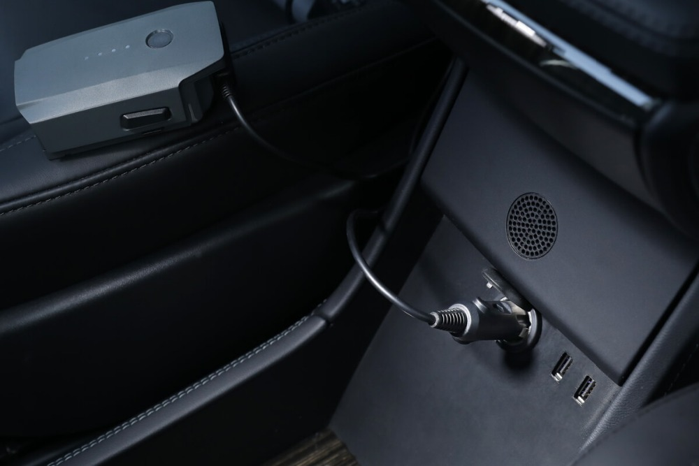 Mavic Car Charger used to charge the Intelligent Flight Battery through a car's cigarette lighter port Charge Time 54 min