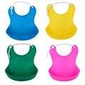 4 colores new diseño del bebé impermeable baberos de alimentación del bebé toalla de la saliva del recién nacido delantales baberos de bebé de silicona