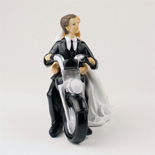Fashion Motor Bride and Groom Toppers Couple Figurine Wedding Funny Cake Topper for Romantic Wedding Cake Decoration
