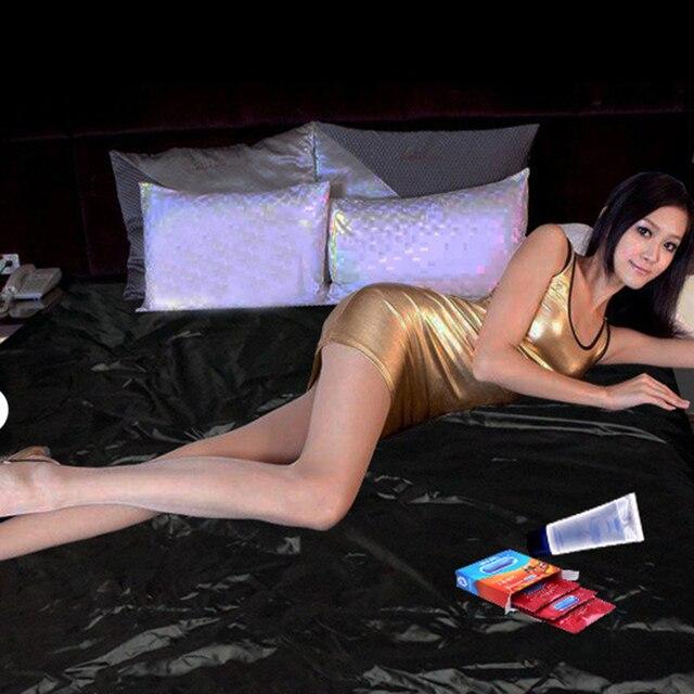 sexe noir sur le lit gratuit grosse queue porno vidéos