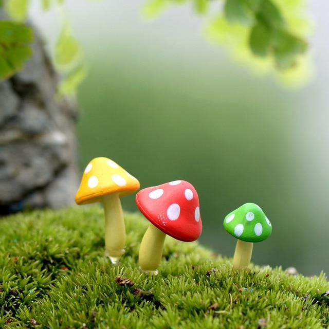 3 Pcs Artificial Mushroom Miniature Fairy Garden Home Houses Decoration  Mini Craft Micro Landscaping Decor DIY