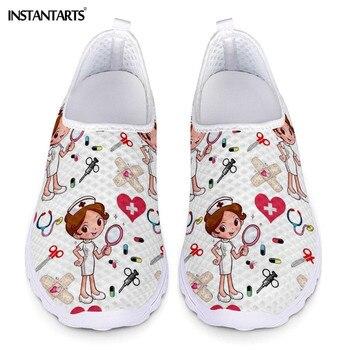 INSTANTARTS новый мультфильм медсестра печати для женщин спортивная обувь без шнуровки светильник обувь из сетчатого материала; Летняя дышащая ...