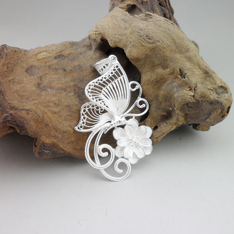 Butterfly And Flowers Handmade Ethnic Jewelry 999 Sterling Silver Miao Metal Jewelry Butterfly Carving Women Pendant NecklaceButterfly And Flowers Handmade Ethnic Jewelry 999 Sterling Silver Miao Metal Jewelry Butterfly Carving Women Pendant Necklace