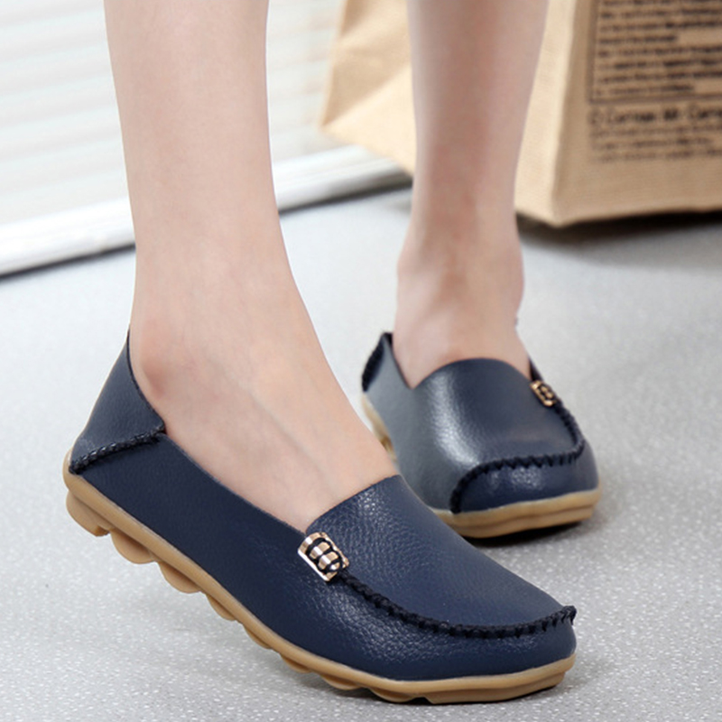 Hot Sale New Fashion Leisure Women Flats 2017 Wild Woman Casual Shoes Solid Moccasins Loafers Classic Flat Mother's Shoes SAT432 hot sale 2016 new fashion spring women flats black shoes ladies pointed toe slip on flat women s shoes size 33 43