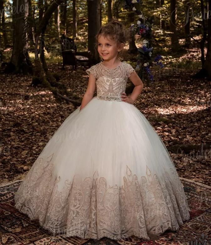 2018 Champagne Ball Gown Girls Pageant Dresses Cap Sleeves Appliques Lace Flower Girls Dresses For Weddings flower girl dresses for weddings cap sleeves sheer neck appliques lace pageant dress for girls long beads girls dresses