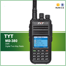 Nueva llegada digital tdma tecnología uhf walkie talkie tyt md-380 dmr digital de radio de 2 vías con cable y software