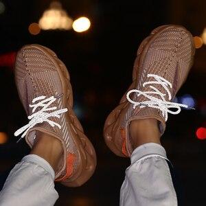 Image 5 - Yaz erkek ayakkabıları 2020 yeni trend nefes spor eğlence gece lambası kişilik uçan dokuma INS çift ayakkabı